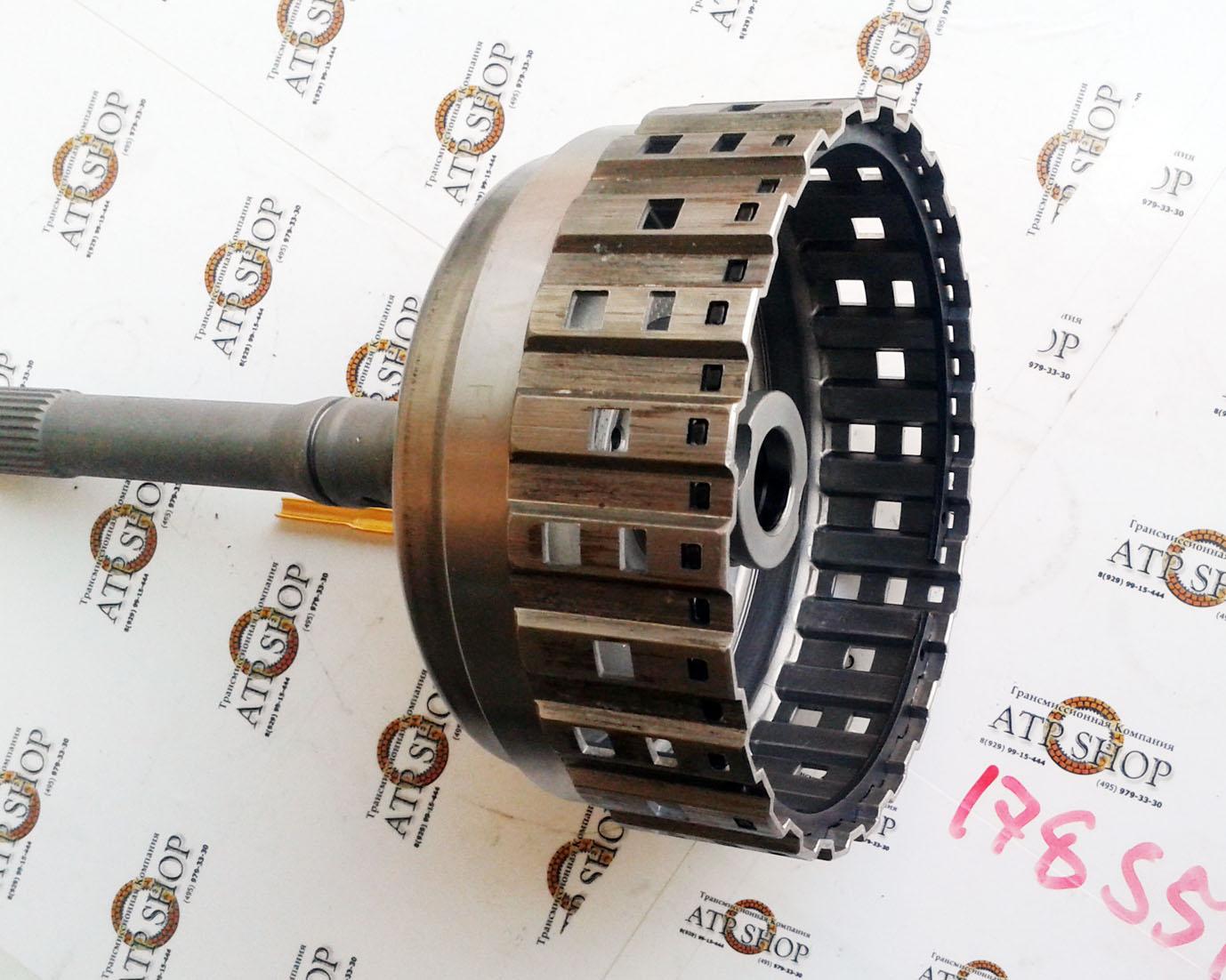 Um tambor de embraiagem 5HP24